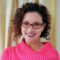 image of author Lynda Sharkey