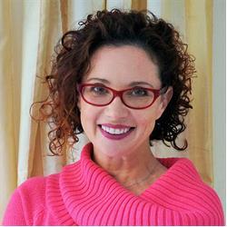 image of author Lynda Sharkey