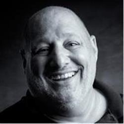 image of author Robert Vanelli