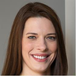 image of author Dayna Laur