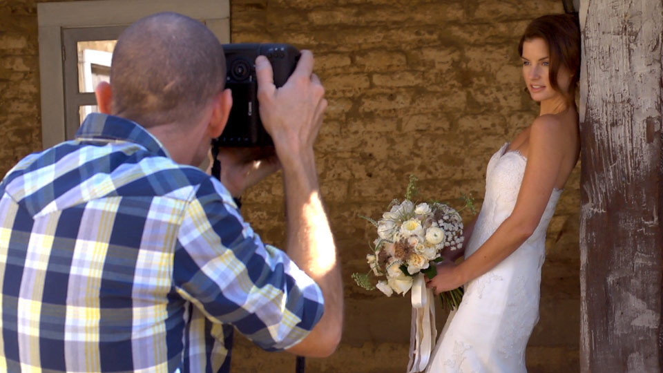 Welcome: Wedding Photography for Everyone: Bridal Portraits
