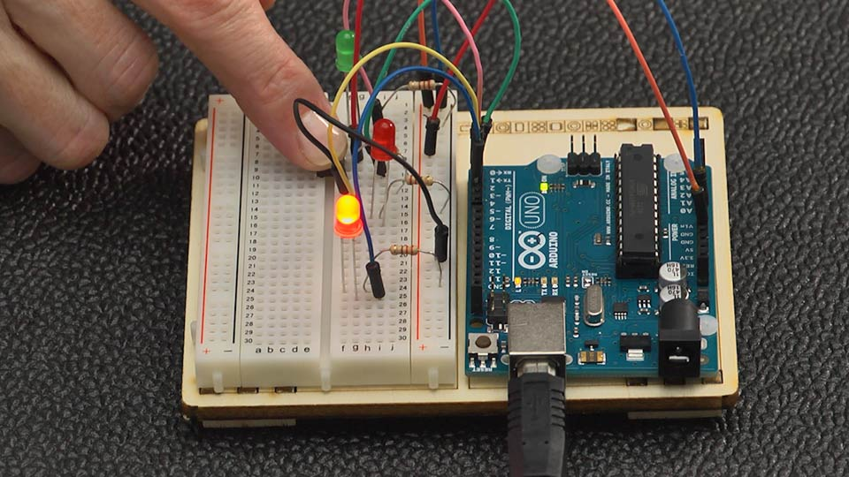Welcome: Up and Running with Arduino (2014)