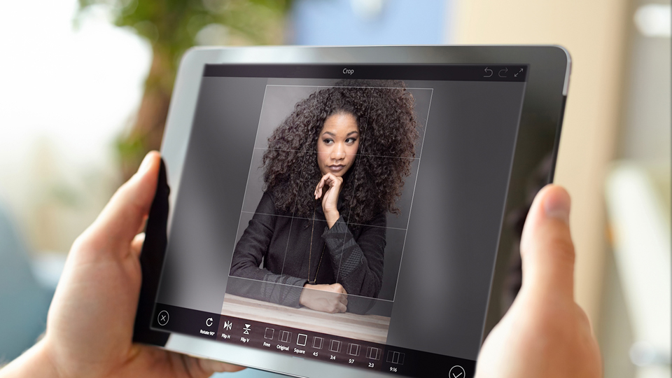 Removing blemishes or distractions in a portrait: Up and Running with Photoshop Fix
