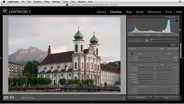 Using the Histogram to evaluate tones: Up and Running with Lightroom 4