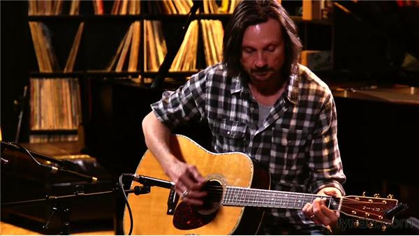 Recording the acoustic guitar with two mics: Audio Recording Techniques