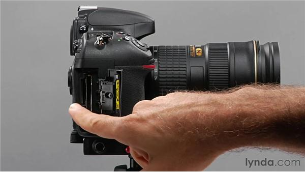 Inserting media cards and a battery: Shooting with the Nikon D800