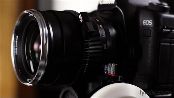Using a follow focus: Up and Running with DSLR Filmmaking