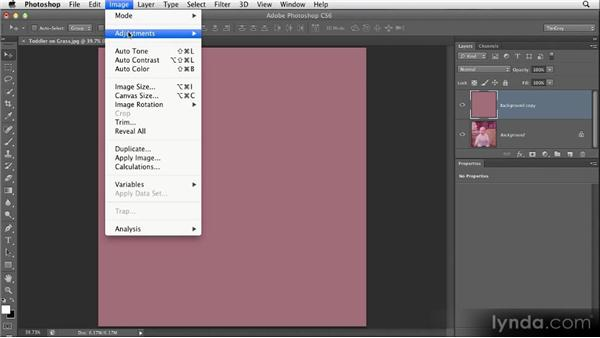 Correcting a strong color cast: Restoring Photos with Photoshop CS6