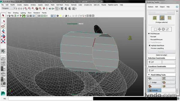 Extruding edges: Maya 2014 New Features