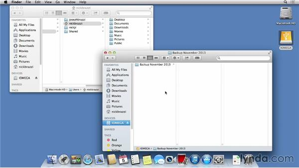 Backing up manually: Mac OS X Mavericks Essential Training