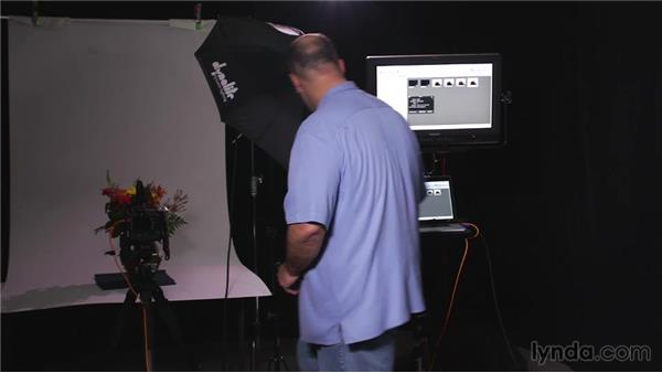 Tethering with Apple Aperture: Tethered Shooting Fundamentals (2014)