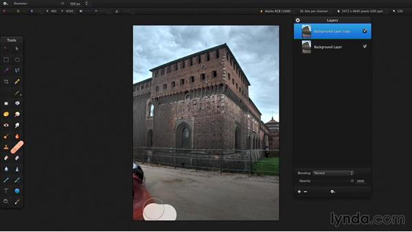 Remove blemishes in a photo: Up and Running with Pixelmator
