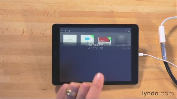 Controlling the presentation with a remote: iWork for iPad Essential Training