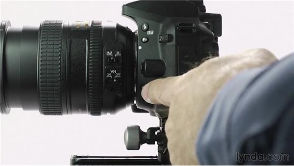 Shooting in continuous low- and high-speed modes: Up and Running with the Nikon D5200 and D5300