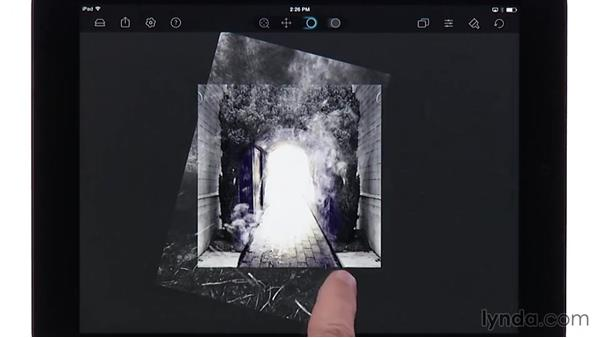 Adding the final layers in Juxtaposer: Creating Photo Composites on Smartphones and Tablets