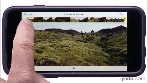 Previewing and trimming a video: iPhone and iPad Photography with iOS 8