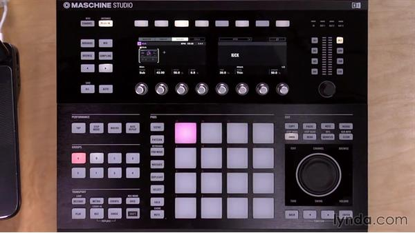 Loading modules, effects, and external plugins from the Studio controller: Up and Running with Maschine 2