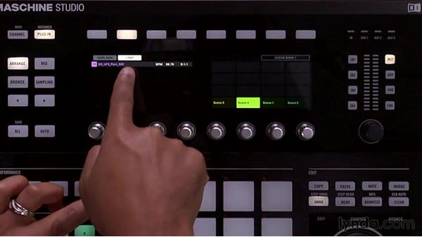 Accessing scenes and setting Loop mode from the controller: Up and Running with Maschine 2