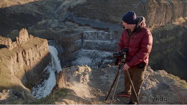 Composing a shot of the Palouse Falls: Landscape Photography: Washington's Palouse Region