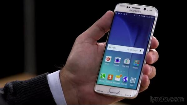 Using the curved screens: Samsung Galaxy S6 and S6 Edge First Look