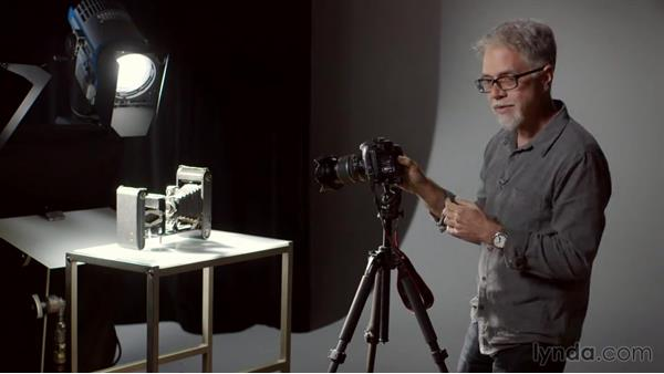 Shooting manual to get more overexposure and underexposure latitude: Exploring Photography: Exposure and Dynamic Range