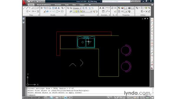 Creating fillets: AutoCAD 2009 Essential Training