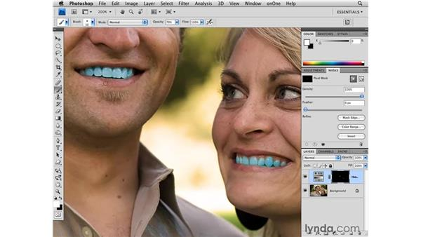Whitening teeth using Quick Mask: Photoshop CS4 for Photographers