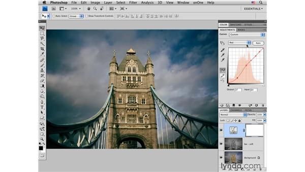 Tower Bridge: Enhancing color and tone : Photoshop CS4 for Photographers: Creative Color