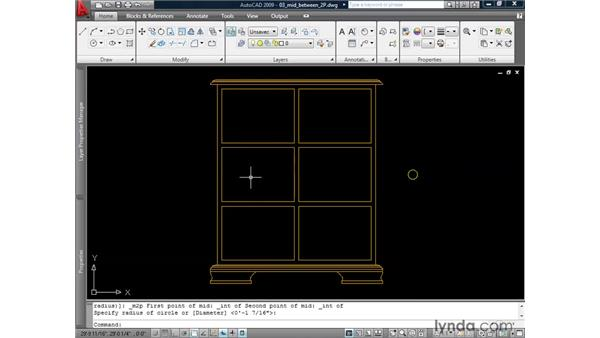 Locating the midpoint between two points: AutoCAD 2009: 2D Drafting Techniques