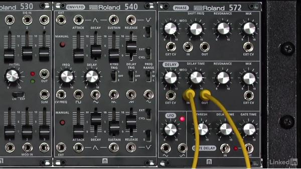 Analog and digital delays: Learning Modular Synthesis