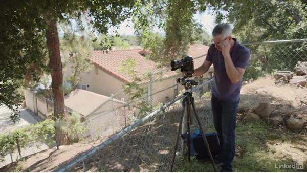 Photographing the upper exterior of a residence: Learn Real Estate Photography: The Basics