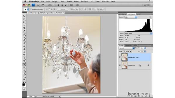 Correcting overexposure with the Multiply blend mode: Photoshop CS4: Layers in Depth