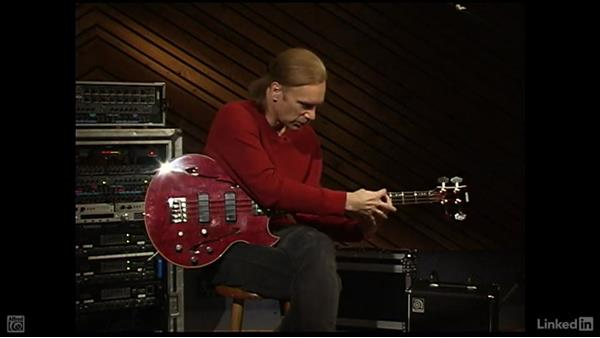 Break down a lick into parts: Electric Bass Basics with Billy Sheehan