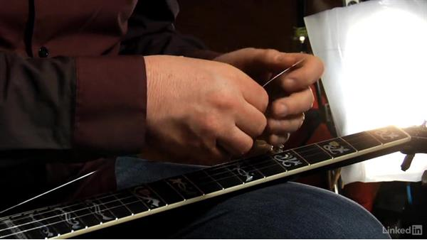 Changing a string: Banjo Lessons with Tony Trischka: 2 Hammer-Ons and Pull-Offs