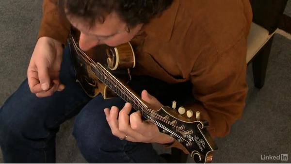 Reharmonizing traditional melodies: Mandolin Lessons with Mike Marshall: 3 Simplifying Difficult Tunes