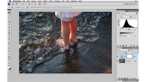 Accessing the Tonal Clipping preview: Photoshop CS4 Power Shortcuts