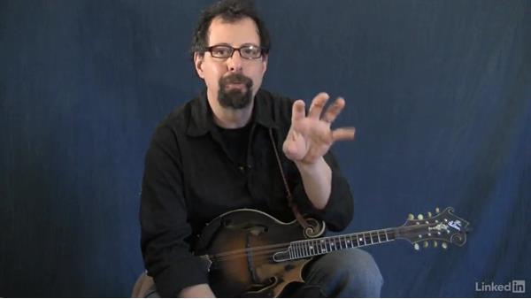 Circle of fifths part 6: Using the 2-5-1 to modulate: Mandolin Lessons with Mike Marshall: 4 Favorite Advanced Tunes