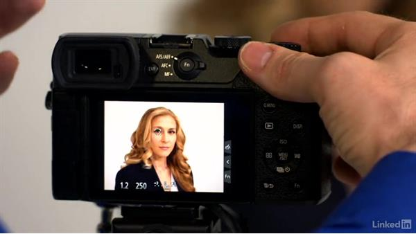Setting depth of field: Learn Portrait Photography: The Basics