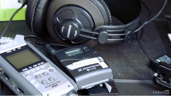 Professional headphones: Video Gear: Audio