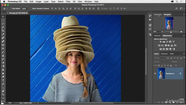 Choosing and customizing a workspace: Photoshop CC 2017 for Photographers