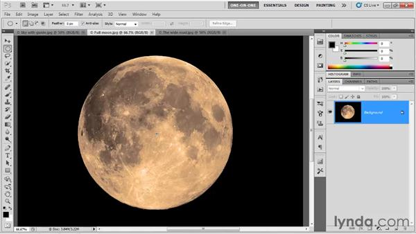 Drawing a geometric selection outline: Photoshop CS5 One-on-One: Fundamentals