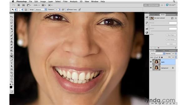 Whitening teeth with the Dodge and Sponge tools: Photoshop CS5: Portrait Retouching