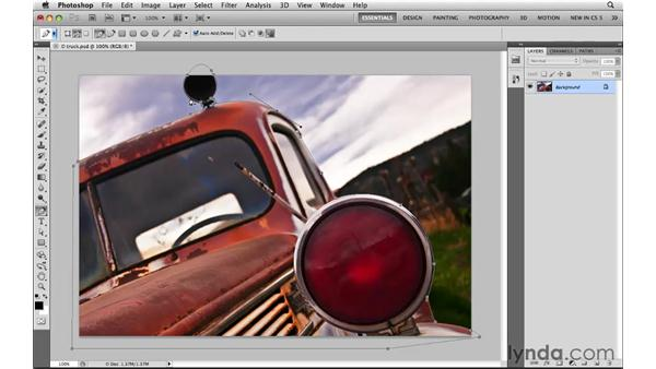 Selecting precisely with the Pen tool and paths: Photoshop CS5: Selections in Depth