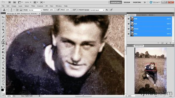 Customizing your workspace: Photo Restoration with Photoshop