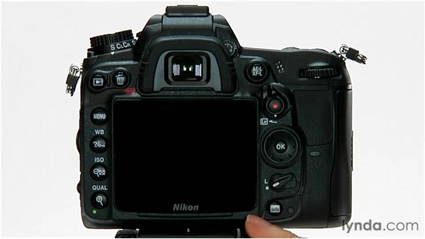 Using the LCD screen protector: Shooting with the Nikon D7000