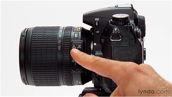 Understanding lens controls: Shooting with the Nikon D7000