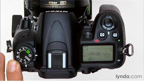 Using the flash in Auto mode: Shooting with the Nikon D7000