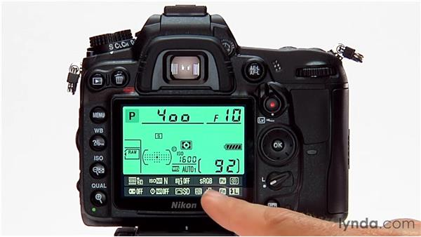 The Info button: Shooting with the Nikon D7000