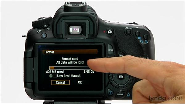 Formatting the media card: Shooting with the Canon 60D