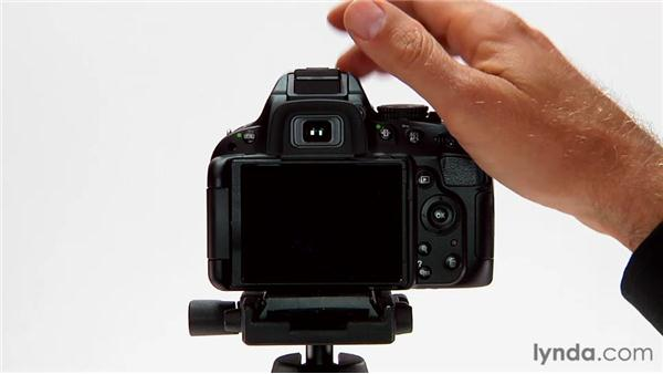 Using flash in Auto mode: Shooting with the Nikon D5100